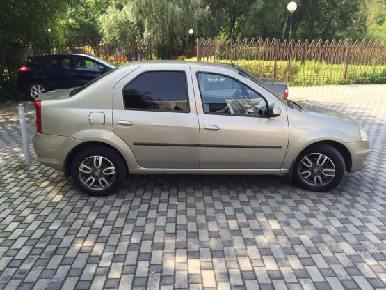 Прокат и аренда Рено Логан недорого в Москве на сайте auto-v-arendu.ru - дополнительное фото авто
