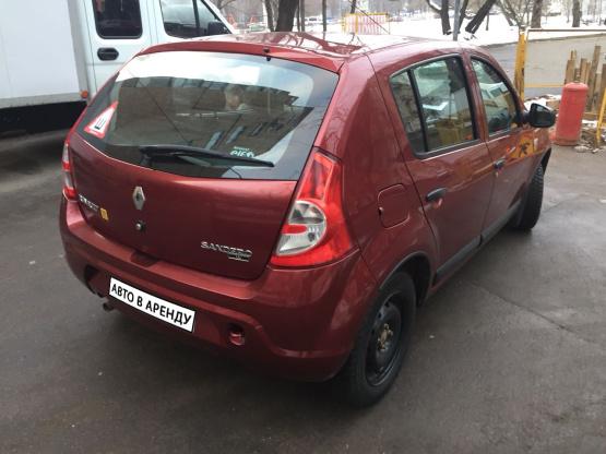 Прокат и аренда Рено Сандеро недорого в Москве на сайте auto-v-arendu.ru - дополнительное фото авто